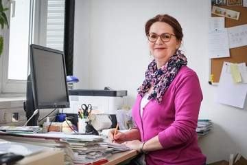 Angela Hoelzel